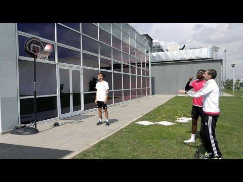 Juventus Shot Challenge: Allegri vs Pogba – Basketball edition