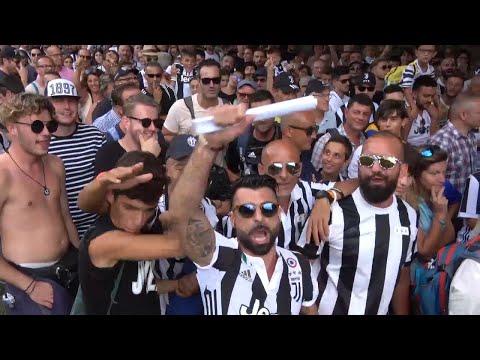 A Villar Perosa è lo Juventus Day: 5000 bianconeri in fila per l'esordio di Cristiano Ronaldo