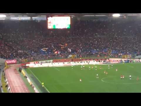 Roma Lazio 2 0 Rigore di Totti visto dalla Nord