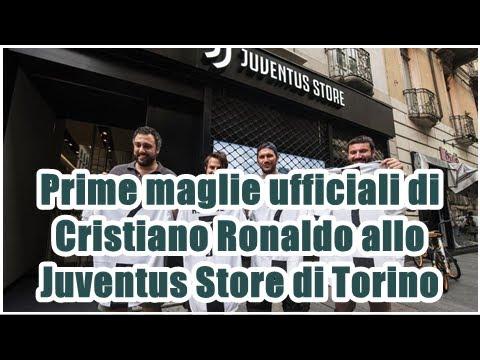 Prime maglie ufficiali di Cristiano Ronaldo allo Juventus Store di Torino
