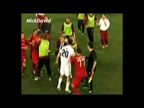 Lazio 1-2 AS Roma – Radu Stefan kicks Mexes and fights after match [18/04/2010]