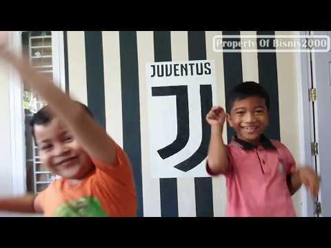 Cat Kamar Logo Juventus Pola Garis Hitam Putih