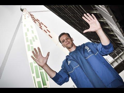 Wojciech Szczesny's first day at Juventus!