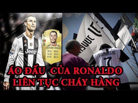 Áo đấu Juventus số 7, tên Ronaldo  liên tục cháy hàng và được bày bán công khai tại Turin