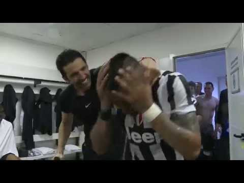 Juventus celebrate 2014/15 Serie A title in the dressing room