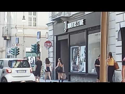 Ngopi ngopi didekat Juventus Store Torino Italia
